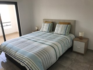 Lovely apartment 10min walk Pescadores beach, sea view, sleeps 5