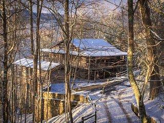 NEW! 5BR Wolf Laurel Resort Log Cabin w/ 4 Decks!