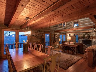Huge Log Cabin w/Sauna -2 Mi to Wolf Laurel Resort