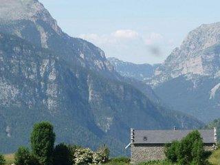 Casa aislada en alta montana