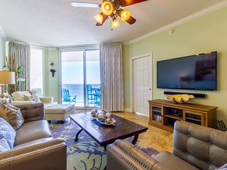 Plan Late Summer-Fall stay at updated Luxury 3 bedroom/2 bath Beachfront!