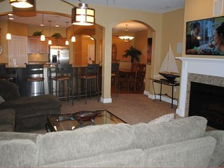 Wisconsin Dells Getaways #311 - Three Bedroom Lakefront Villa Sleeps 11