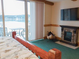 Wisconsin Dells Getaways #410 - Cabin Themed Studio Suite for 2