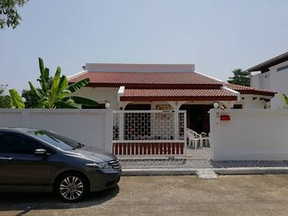 House for Rent 10 minuets walk to Pak Nam Pran Beach