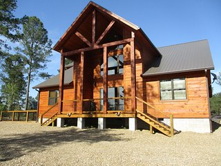 Heavenly Bear Lodge - Majestic Lodge  (3 Bedrooms/3 Baths/Hot Tub, Sleeps 4)
