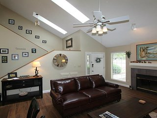 NEW LISTING! BEAUTIFUL TWO STORY TOWNHOME in TELLICO VILLAGE GOLF RESORT!
