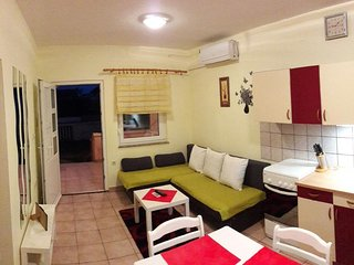 Two bedroom apartment Povljana (Pag) (A-11516-a)
