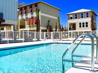 Spring Into A Vacation ~ 2 Bedroom ~ Pet Friendly ~ Turtles Nest Beach House ~ P