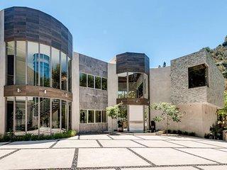 Chantilly Modern