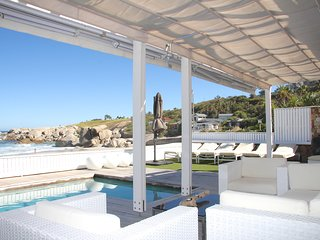 CAMPS BAY GLEN BEACH BUNGALOW FULL HOUSE
