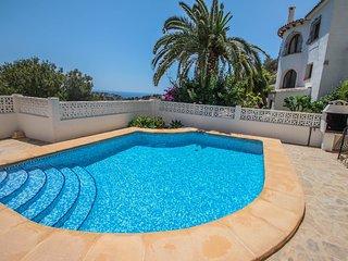 Linda - modern villa with splendid views in Benissa