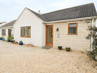 ROSE BRIAR, ground floor, wifi, near Stroud.