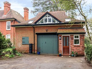THE CHAUFFER'S QUARTERS, Taunton 2 miles, near Quantock Hills AONB, WiFi, Ref 97