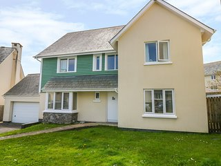 65 PENTRE NICKLAUS VILLAGE, en-suites, coast nearby, Llanelli 1.5 miles, Ref 976