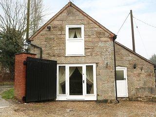 TOWNEND HOUSE, Ashbourne 2 miles, en-suite, pet-friendly, Ref 974735