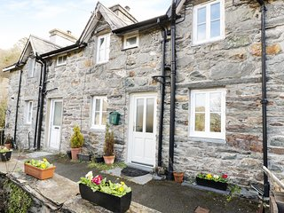 2 FRON GOCH, Smart TV, WiFi, Wood burning stove. Ref. 971827.