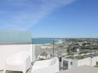 NUMBER 5, private terrace, open-plan, Ref 971619