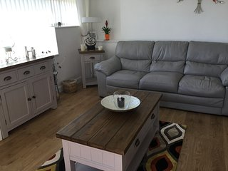 Holiday Apartment 2 Bedroom Sleeps 4 With stunning views of the countryside