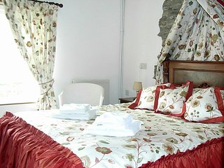 CARPENTER'S - Romatic One-Bedroom Real Cornish Cottage: Sleeps 2+1
