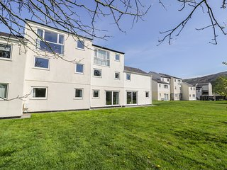 SOUTH KEEP, lovely views, open plan, in Harlech, Ref 966161