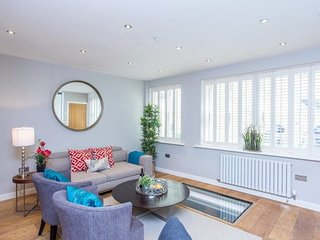 The Norfolk Escape - Beautiful & Bright 4 Mews Homes with 16BDR