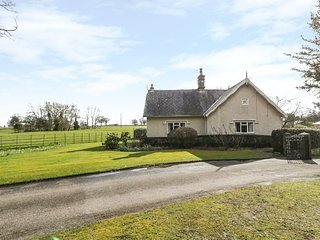 THE LODGE, all ground floor, WiFi, eco heating, Ref 960372