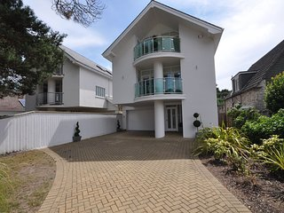 Allure - Special occasion, five bedroom detached house in Sandbanks