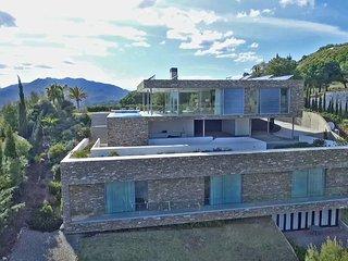 """Cubo""""s Villa El Meandro"""