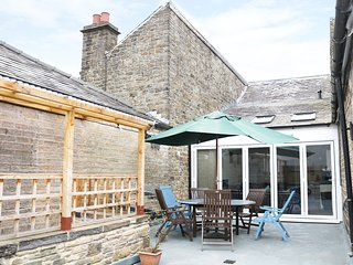 DRAGONFLY, roof terrace, open plan living, close to local amenities, New Mills,