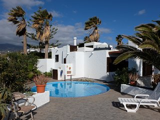 Nice little house with pool, seaview big sunterrace for 4 pers.