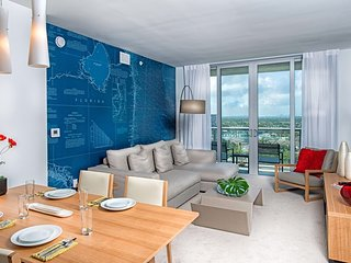 Gorgeous 1 Bedroom Suite Perfect for Couples close to Hollywood Beach!