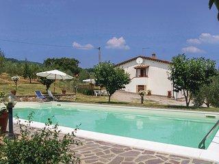 3 bedroom Villa in Il Poggiolo, Tuscany, Italy : ref 5575040