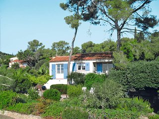 2 bedroom Villa in Les Issambres, Provence-Alpes-Côte d'Azur, France : ref 54360