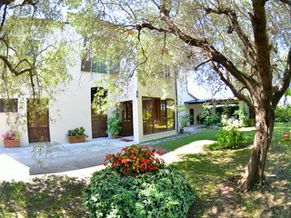 4 bedroom Villa in Viareggio, Tuscany, Italy : ref 5404943