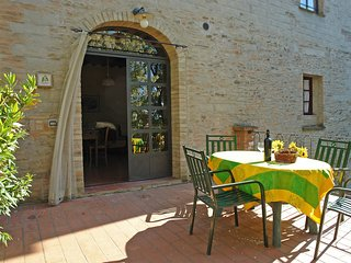 2 bedroom Apartment in Casino, Tuscany, Italy : ref 5553280