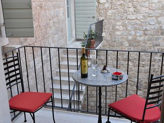 2 bedroom Apartment in Omis, Splitsko-Dalmatinska Zupanija, Croatia : ref 550637