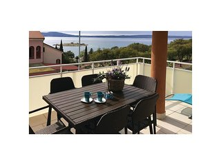 2 bedroom Apartment in Novi Vinodolski, Primorsko-Goranska Zupanija, Croatia : r