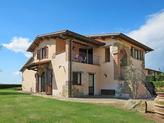 4 bedroom Apartment in Scansano, Tuscany, Italy : ref 5446969