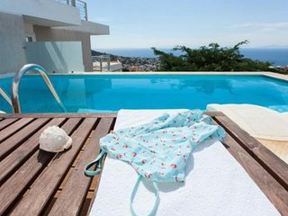 Villa Aphrodite! Luxury & modern holidays with gorgeous view of the Aegean sea