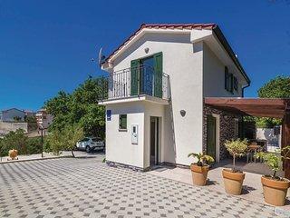 2 bedroom Villa in Kampor, Primorsko-Goranska Županija, Croatia : ref 5521607