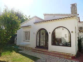 2 bedroom Villa in Empuriabrava, Catalonia, Spain : ref 5514601