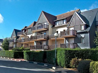 2 bedroom Apartment in Cabourg, Normandy, France : ref 5513467
