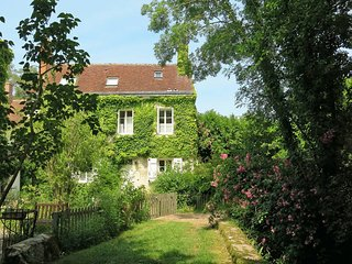 3 bedroom Villa in Genille, Centre, France : ref 5441012