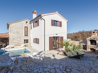 2 bedroom Villa in Peresiji, Istria, Croatia : ref 5537420