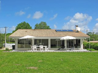 3 bedroom Villa in Grayan-et-l'Hôpital, Nouvelle-Aquitaine, France : ref 5434847