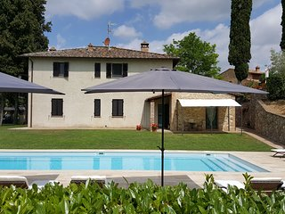 San Gimignano Apartment Sleeps 4 with Pool and WiFi - 5241954