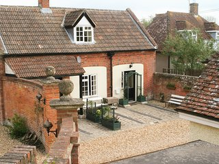 THE CARRIAGE HOUSE, perfect for families, wheelchair access, spacious interior