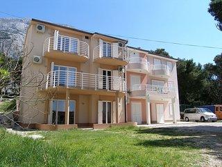 2 bedroom Apartment in Makarska, Splitsko-Dalmatinska Zupanija, Croatia : ref 55