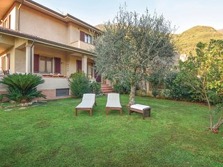 2 bedroom Villa in Camaiore, Tuscany, Italy : ref 5609409