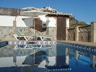 Torrox Villa Sleeps 6 with Pool Air Con and WiFi - 5080281